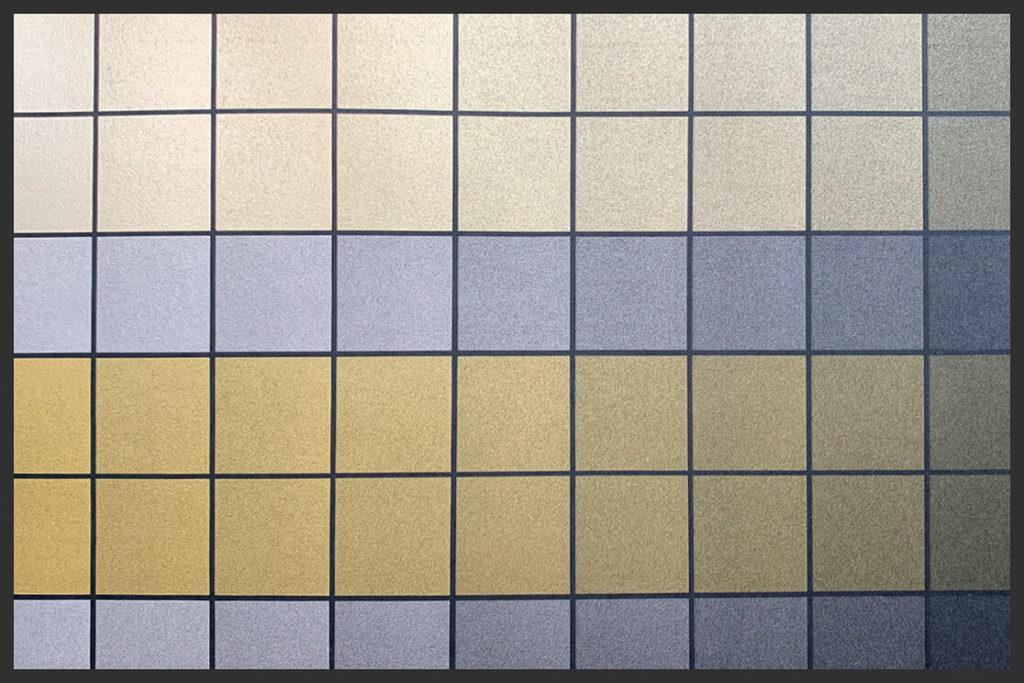 Наложение металлизированных цветов